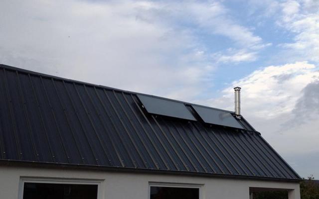 Aartrijke - zonnepanelen  opbouw zonneboiler Bulex Helioset 250L