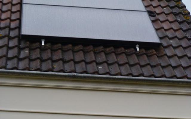 Harelbeke - zonnepanelen  opbouw zonneboiler Bulex Helioset 250L