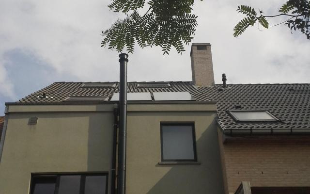Oostende - zonnepanelen  opbouw zonneboiler Bulex Helioset 250L