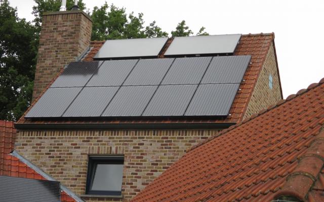 Vinderhoute - zonnecollectoren opbouw zonneboiler 250L