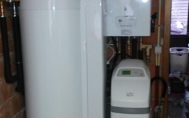 Wielsbeke - Condensatieketel Bulex Thermo Master FAS 29 + Zonneboiler Bulex Helioset 250 L