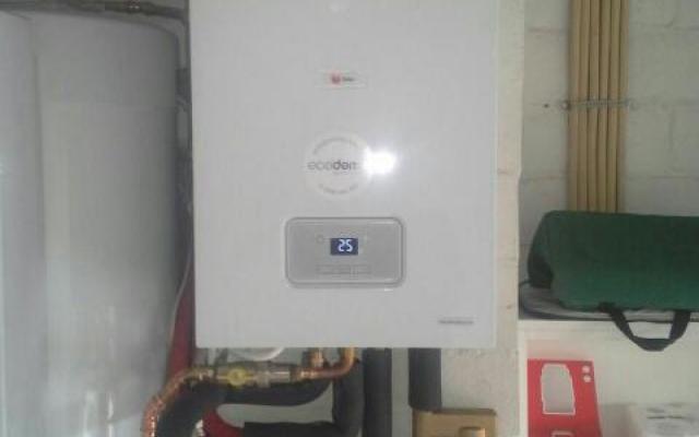Harelbeke - gascondensatieketel Bulex Thermo Master TAS 30 + zonneboiler Bulex Helioset 250 L + Evo Home