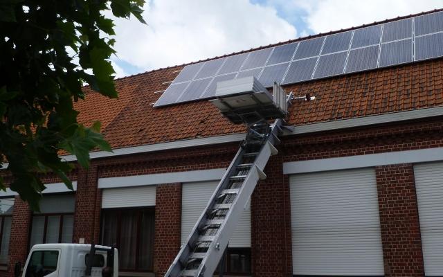 Nieuwenhove - 40 zonnepanelen op schoolgebouw 250Wp