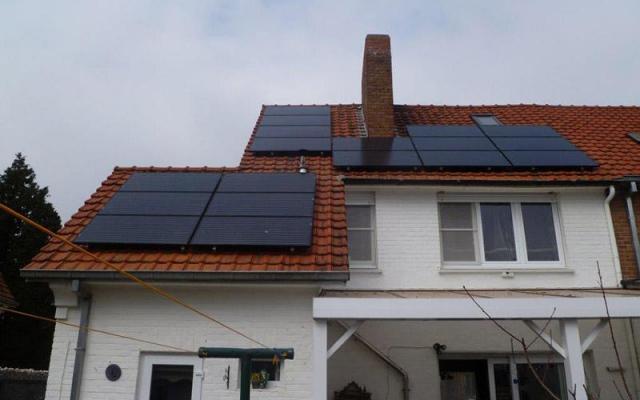 Kerkhove - 18 zonnepanelen 200Wp Black